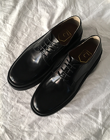 Sender derby shoes